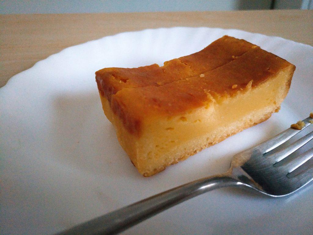 2種のチーズを使用したベイクドチーズケーキ セブンイレブン (4)