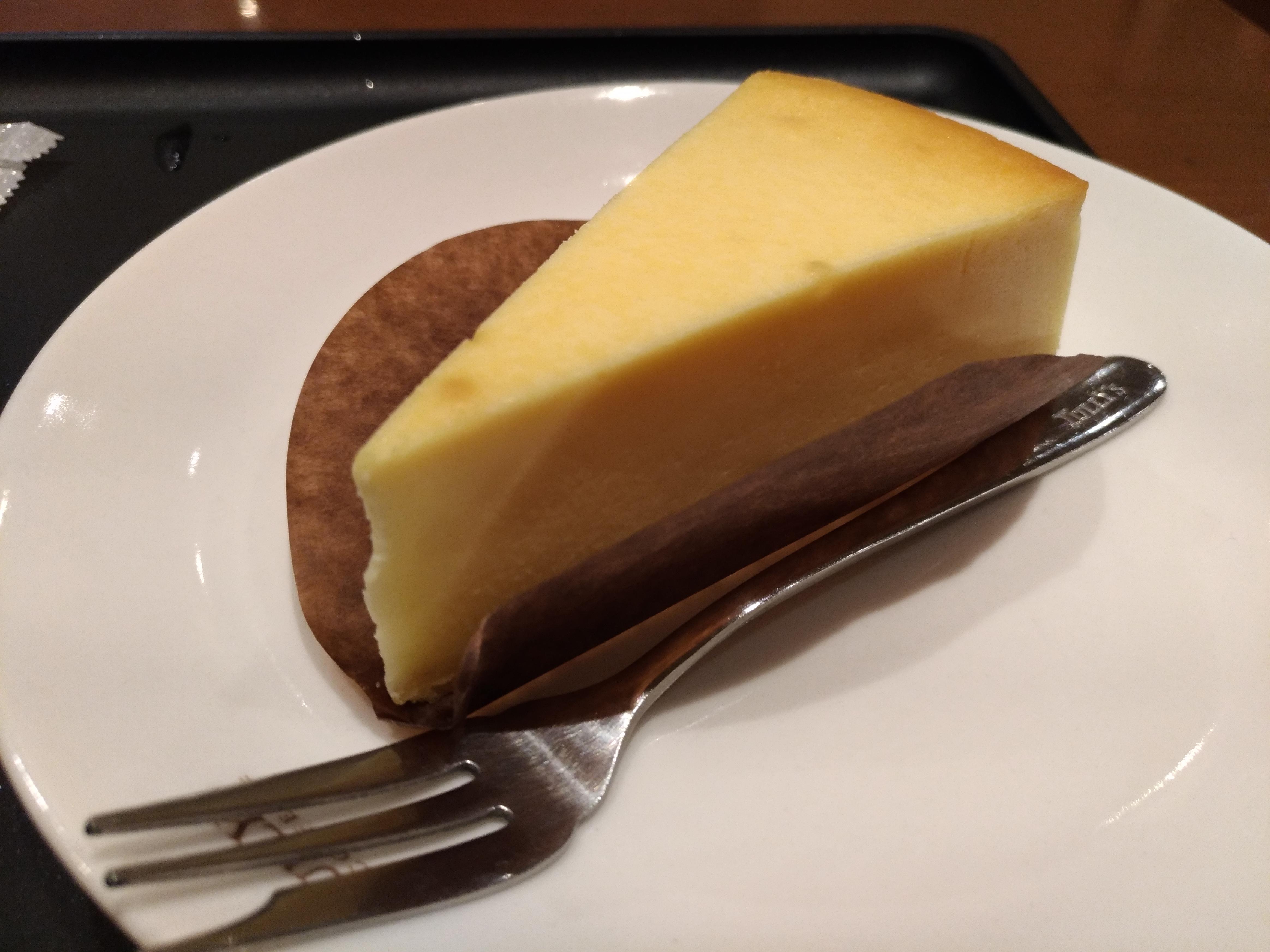 タリーズコーヒーのベイクドチーズケーキ (8)