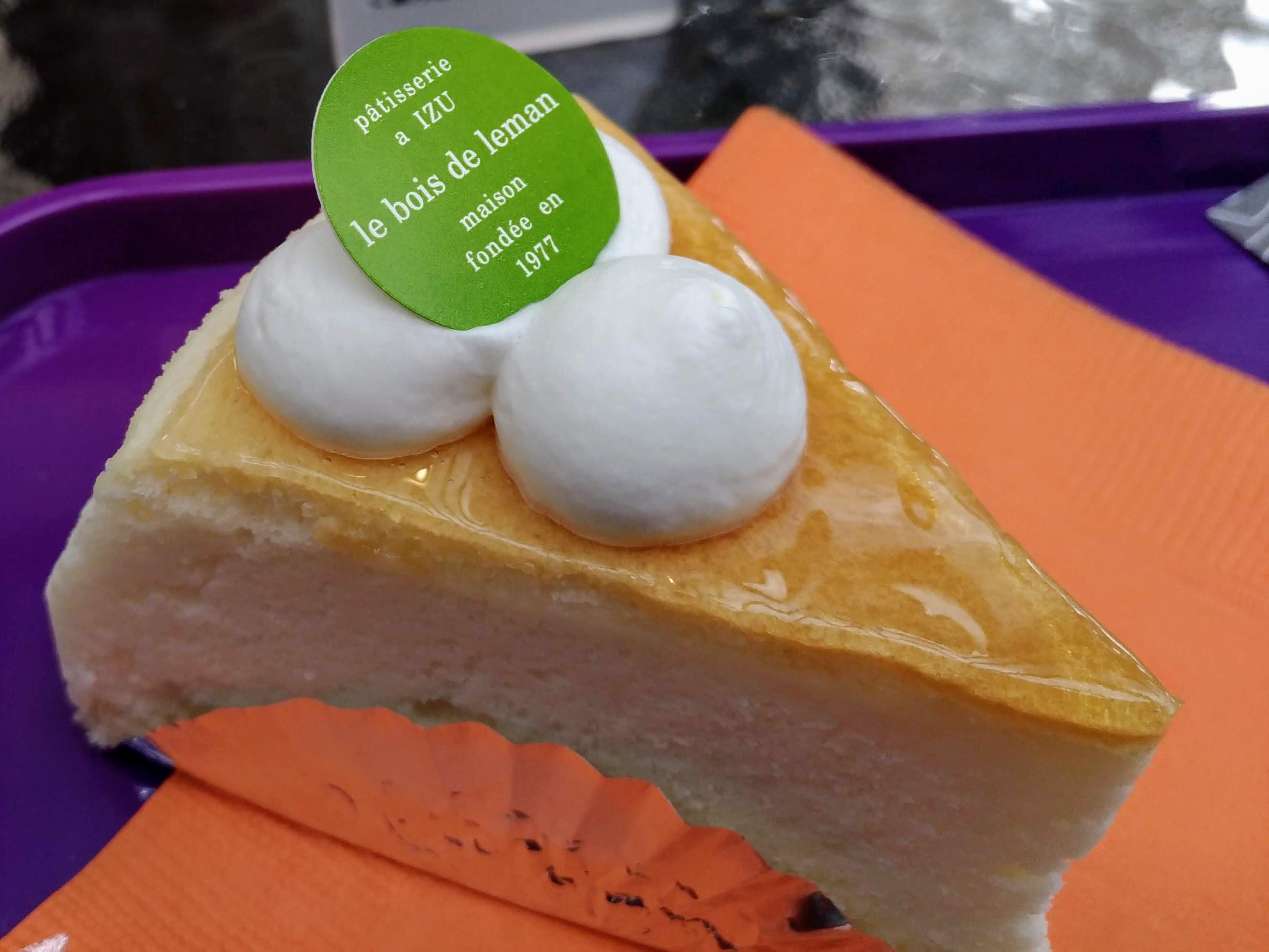 レマンの森 スフレチーズケーキ