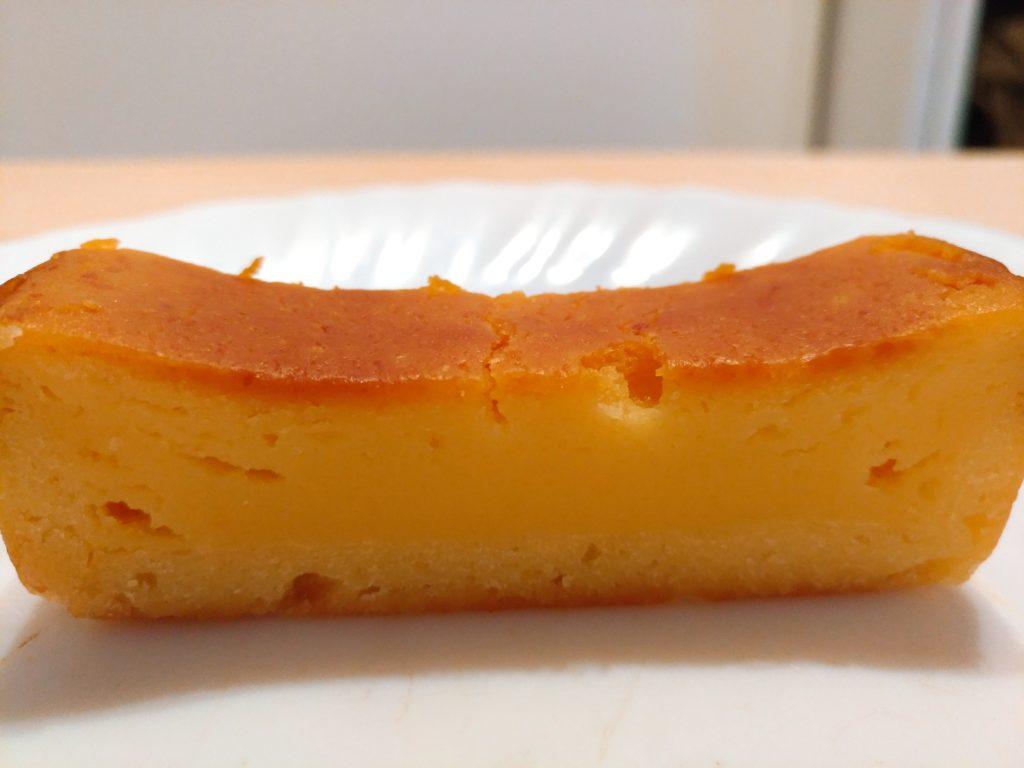 2種のチーズを使用したベイクドチーズケーキ セブンイレブン (10)