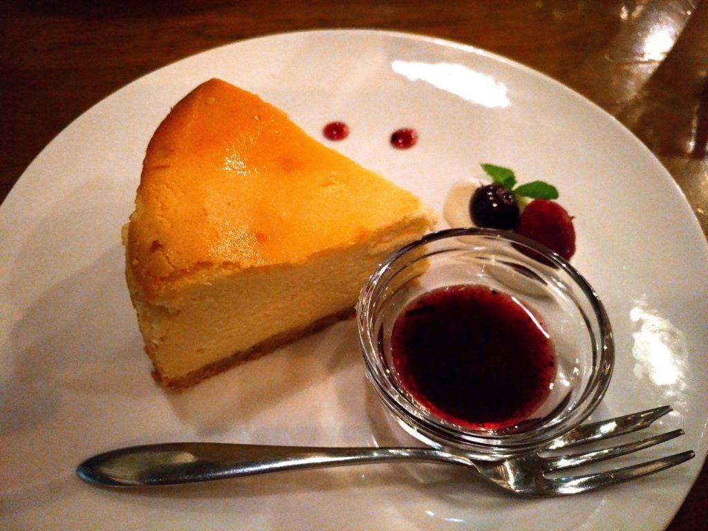 ブルベリーソース添えチーズケーキ niwasaki cafe いわさ喜 (3)