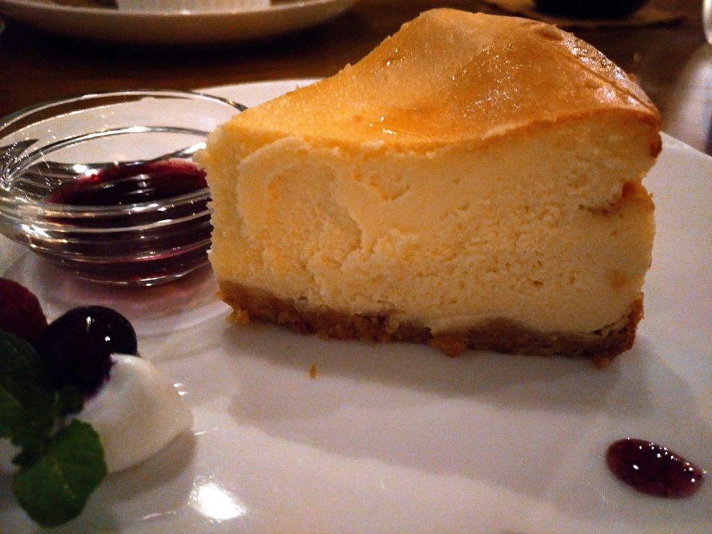ブルベリーソース添えチーズケーキ niwasaki cafe いわさ喜 (5)