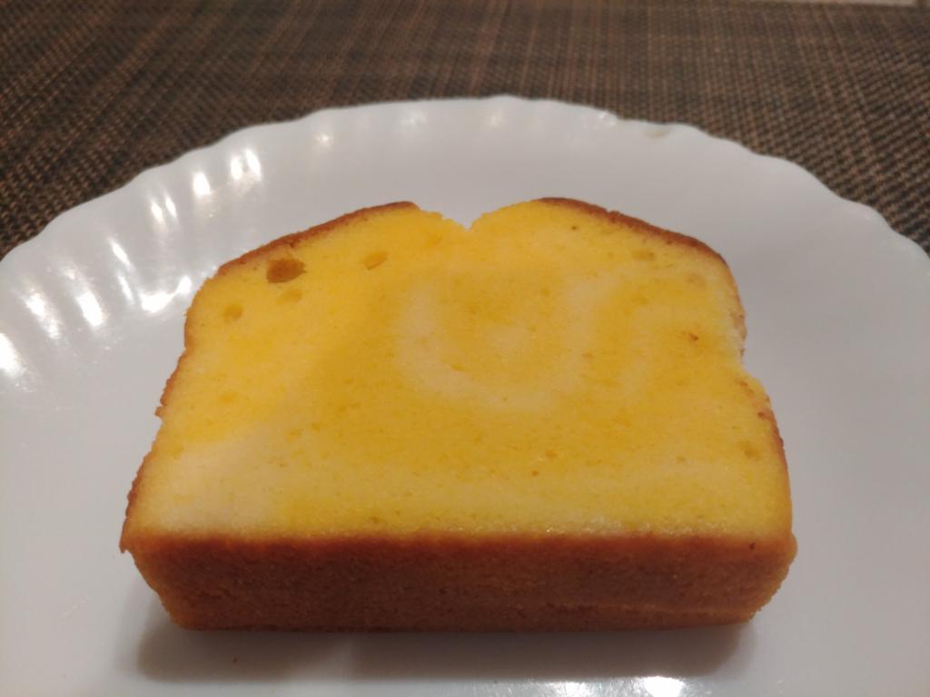 チーズケーキパウンド ファミリーマート
