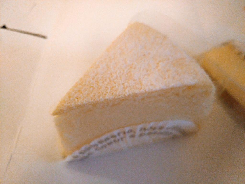 チーズスフレ パティスリーアンデトゥール(岩槻)2