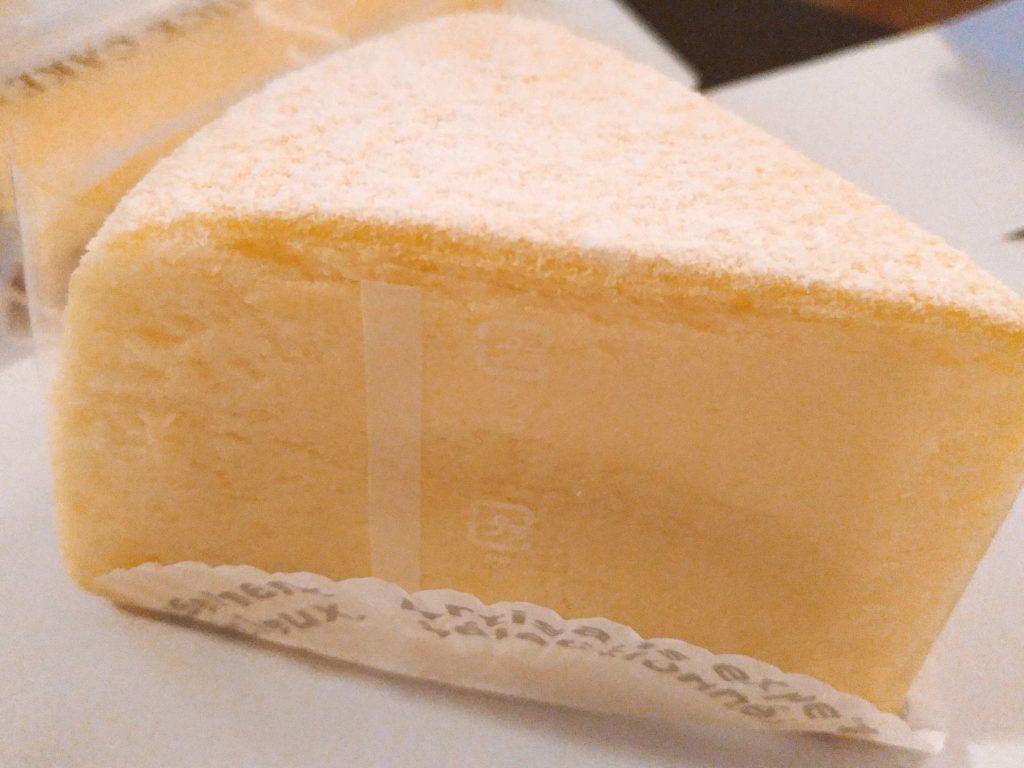 チーズスフレ パティスリーアンデトゥール(岩槻)1