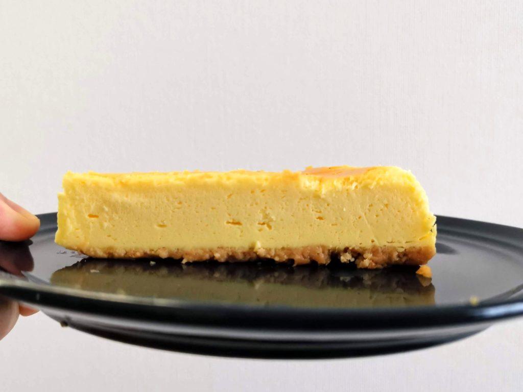 セブンイレブン・デリカシェフ ニューヨークチーズケーキ (4)