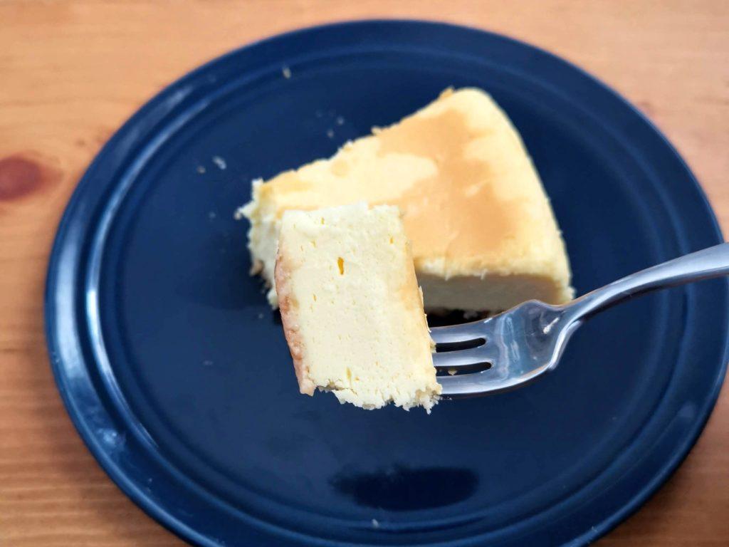 セブンイレブン・デリカシェフ ニューヨークチーズケーキ (2)