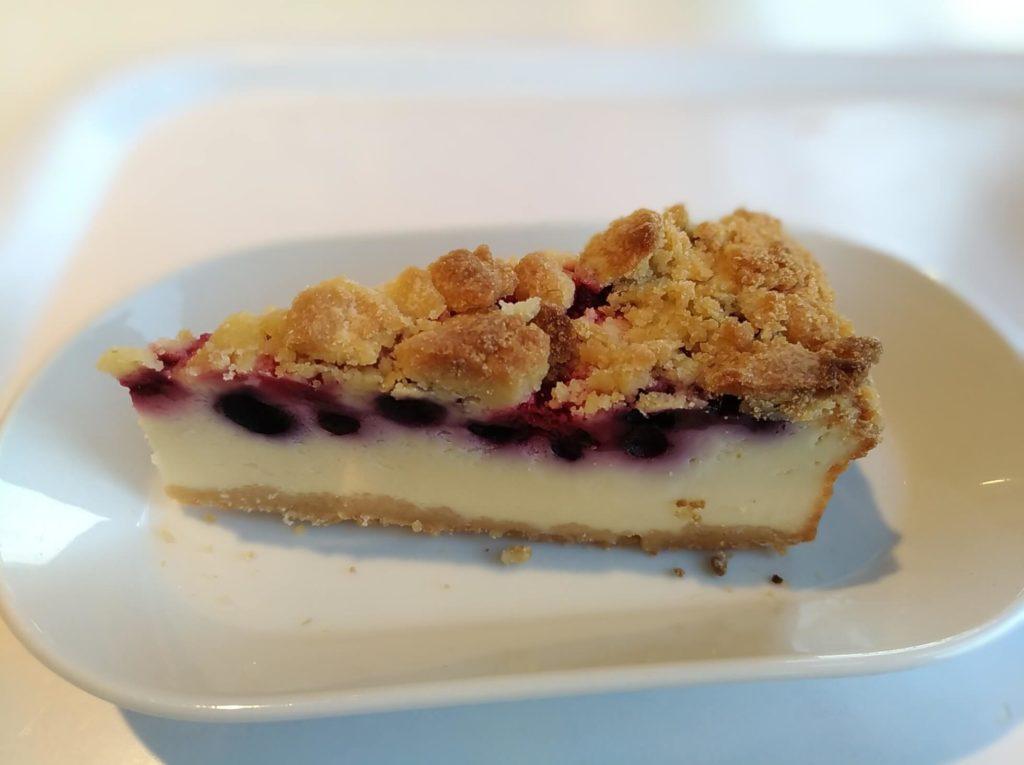 ベリーベリーチーズケーキ【IKEA(イケア)レストラン】