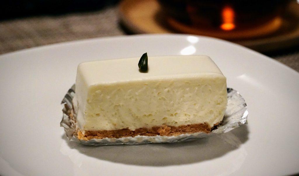 しろたえ (11)レアチーズケーキ