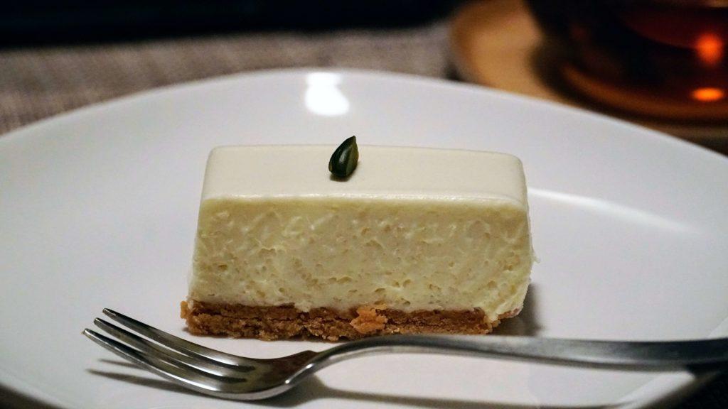 しろたえ (12)レアチーズケーキ