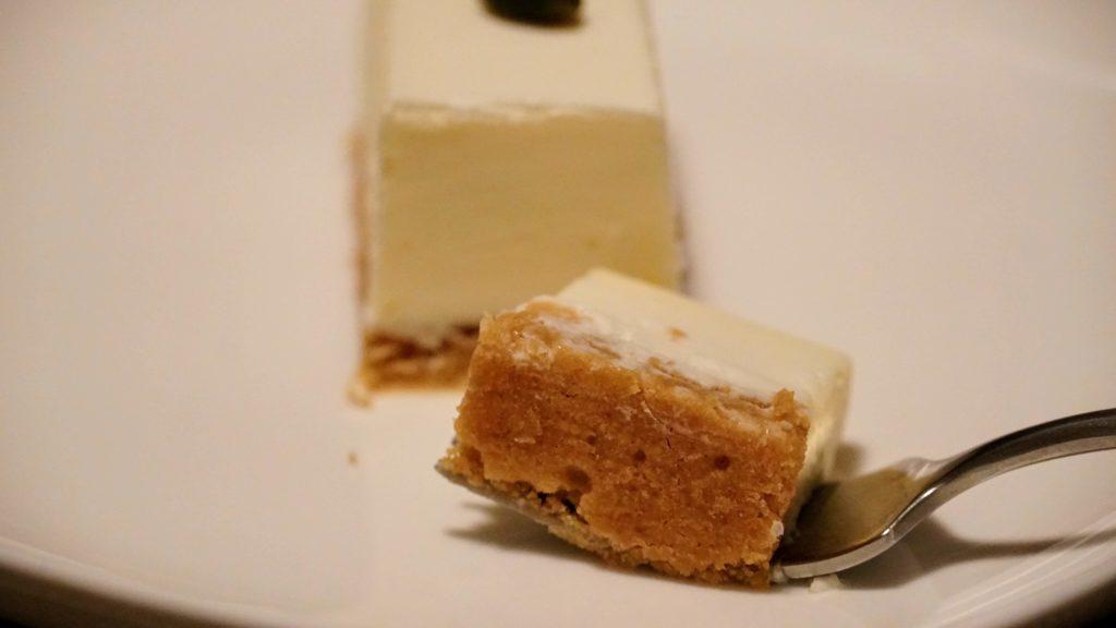 しろたえ (9)レアチーズケーキ