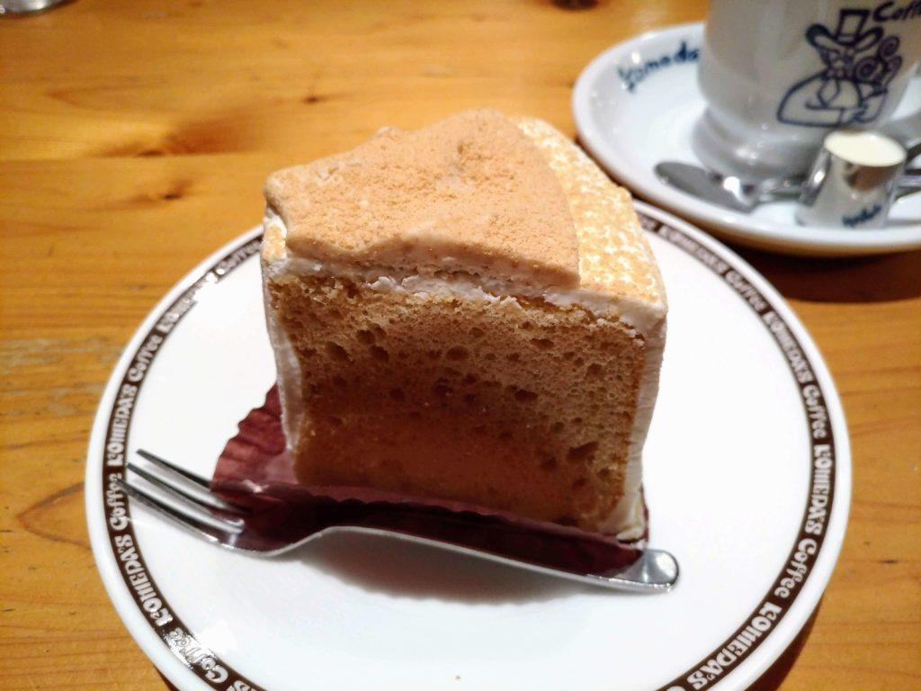 コメダ珈琲 きな粉と豆乳クリームのシフォン (3)