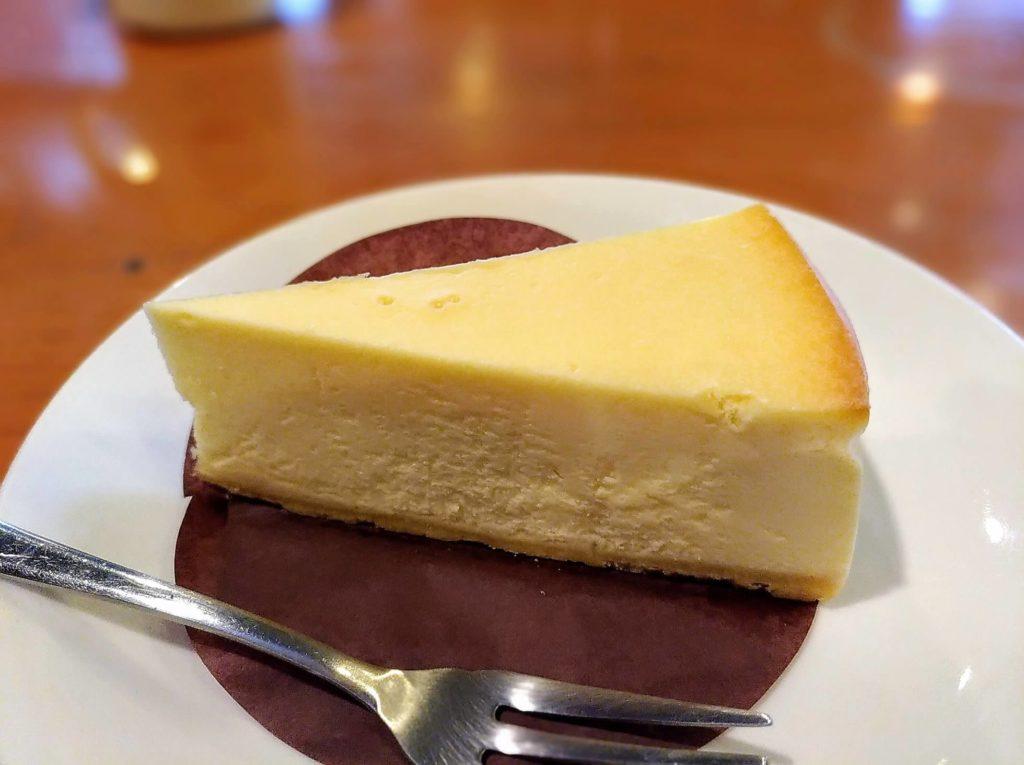 タリーズコーヒー ベイクドチーズケーキ (3)
