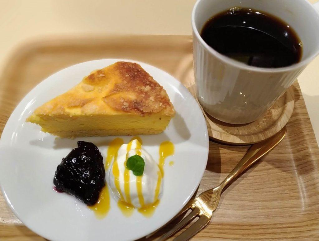 【ハッピー サイエンス ギンザブック カフェ】6種のチーズケーキ (3)i
