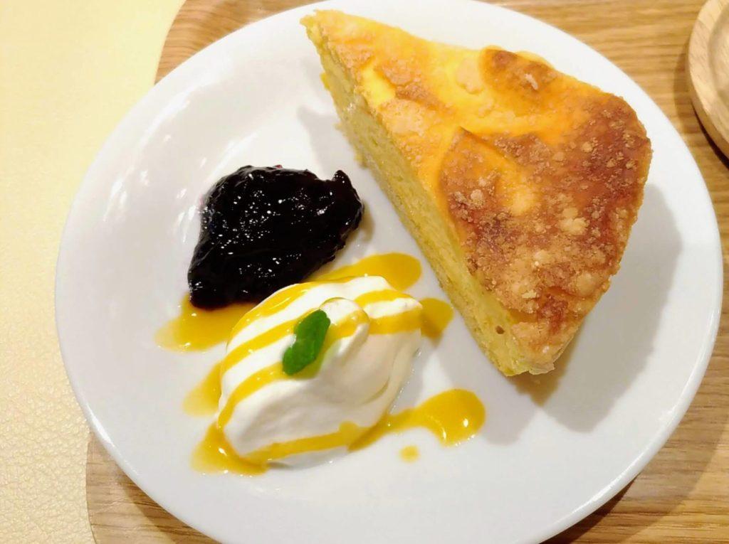 【ハッピー サイエンス ギンザブック カフェ】6種のチーズケーキ (6)