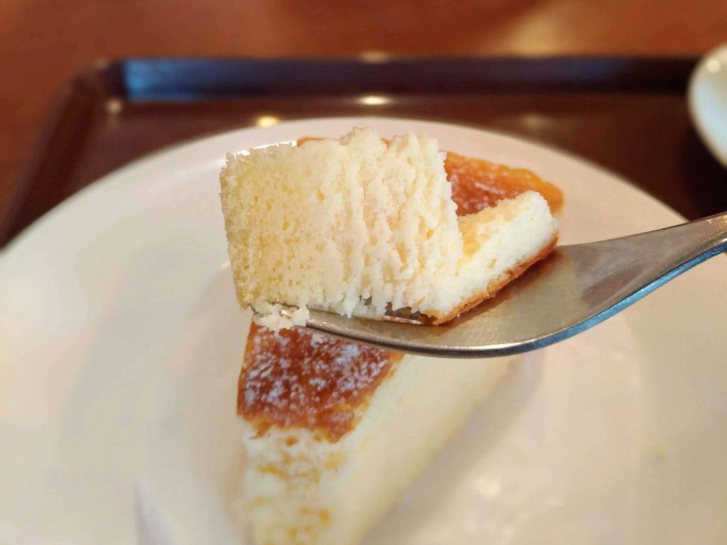 カフェ・ド・クリエ(CAFÉ de CRIÉ) フランス産チーズのスフレ (1)