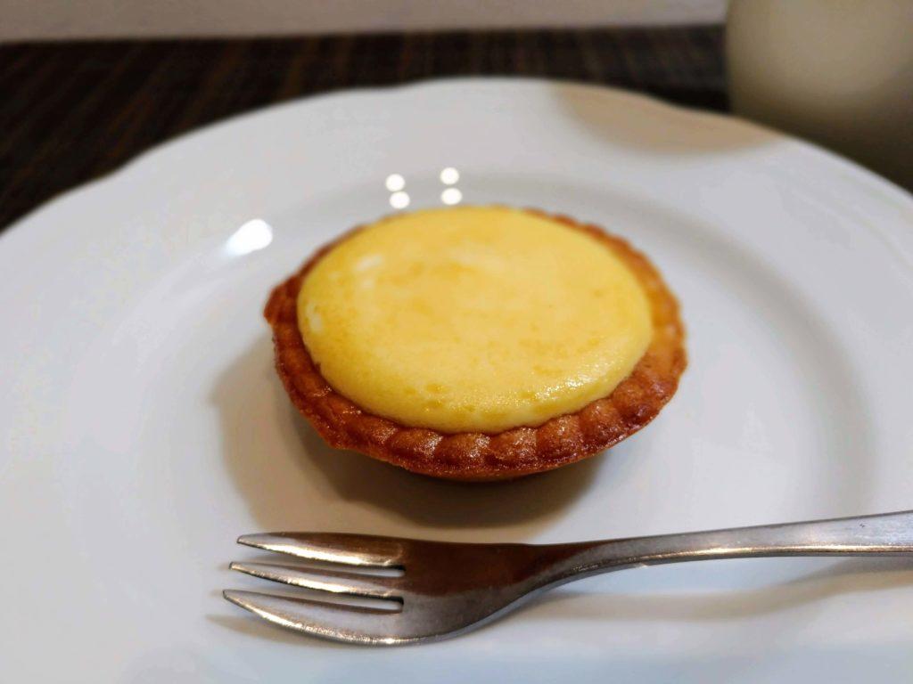 「ファミリーマート」焼きチーズタルト 2種のクリームチーズ (3)