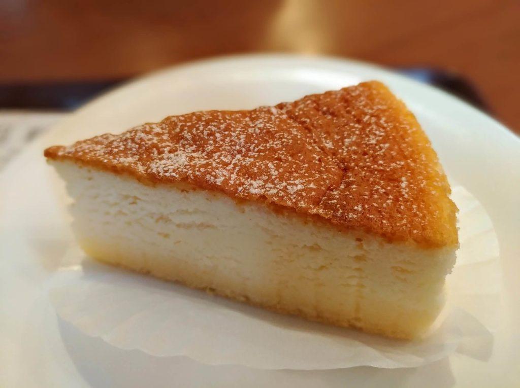 カフェ・ド・クリエ(CAFÉ de CRIÉ) フランス産チーズのスフレ (3)