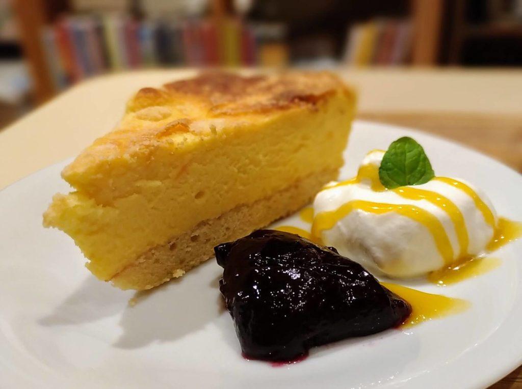 【ハッピー サイエンス ギンザブック カフェ】6種のチーズケーキ (9)