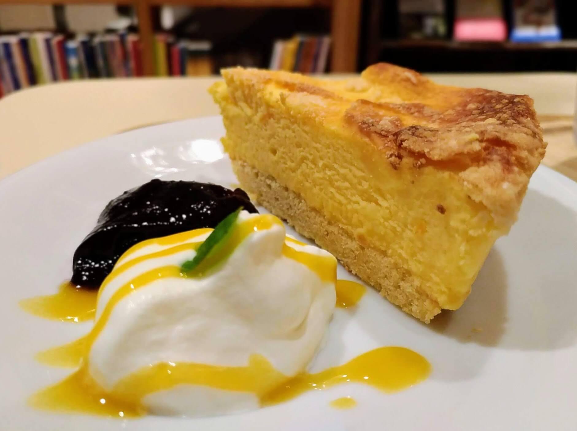 【ハッピー サイエンス ギンザブック カフェ】6種のチーズケーキ (4)