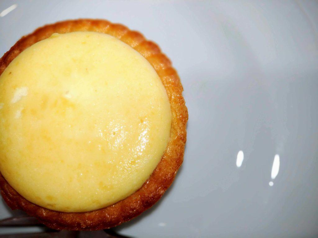 「ファミリーマート」焼きチーズタルト 2種のクリームチーズ (8)