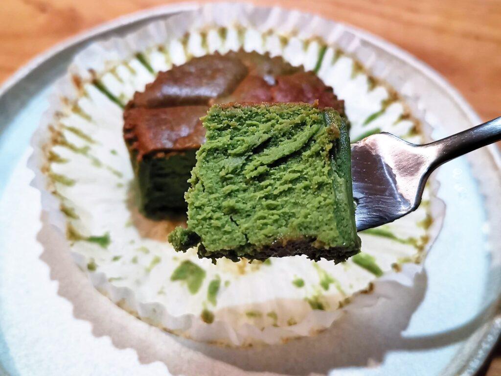 ローソンのバスチー(バスク風抹茶チーズケーキ) (12)
