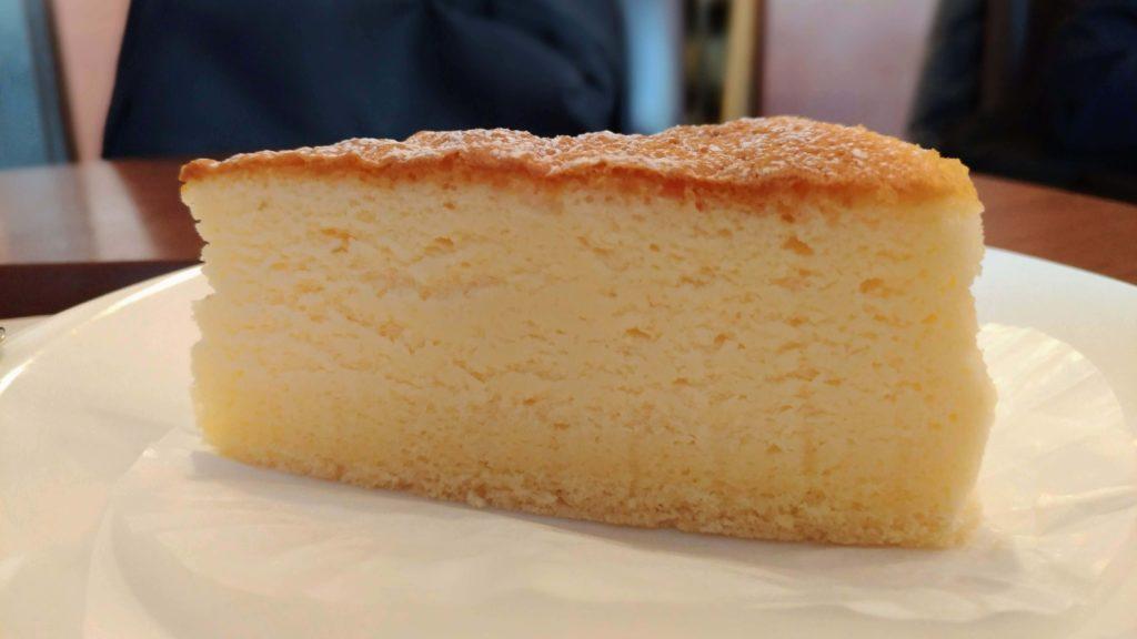 カフェ・ド・クリエ(CAFÉ de CRIÉ) フランス産チーズのスフレ (4)