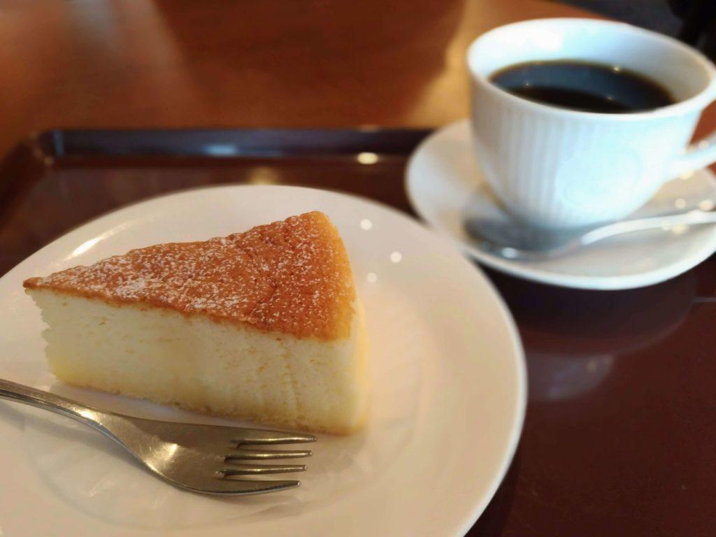 カフェ・ド・クリエ(CAFÉ de CRIÉ) フランス産チーズのスフレ (7)
