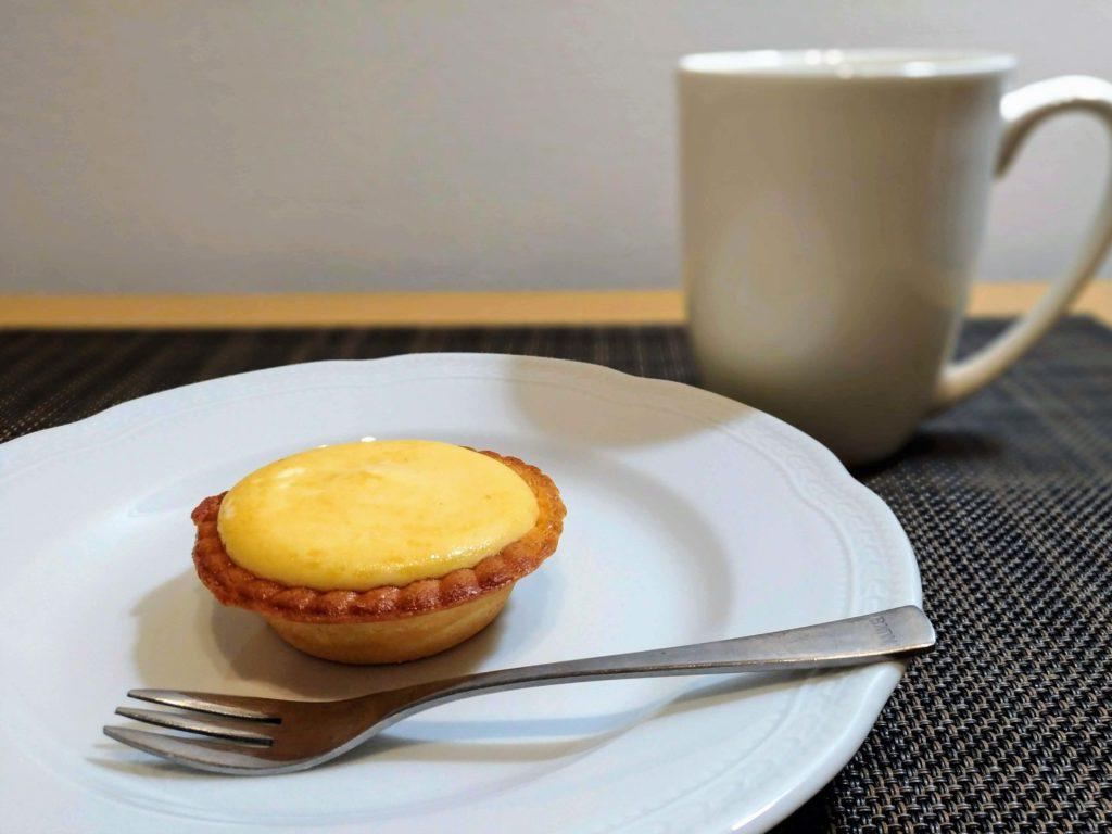「ファミリーマート」焼きチーズタルト 2種のクリームチーズ (1)