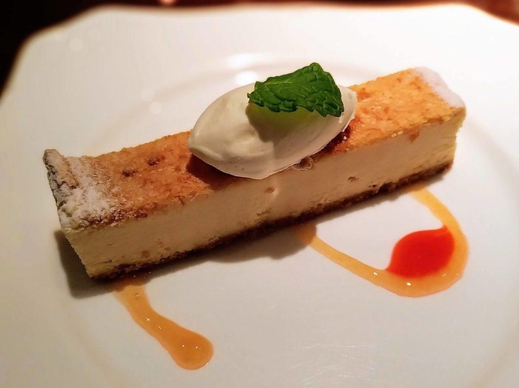 【珈琲茶館 集】ベイクドチーズケーキ