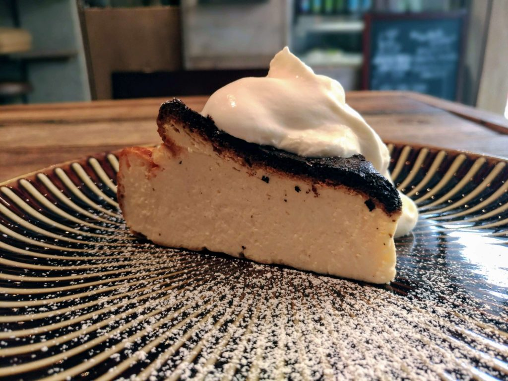 イイジカン (12)バスクチーズケーキ