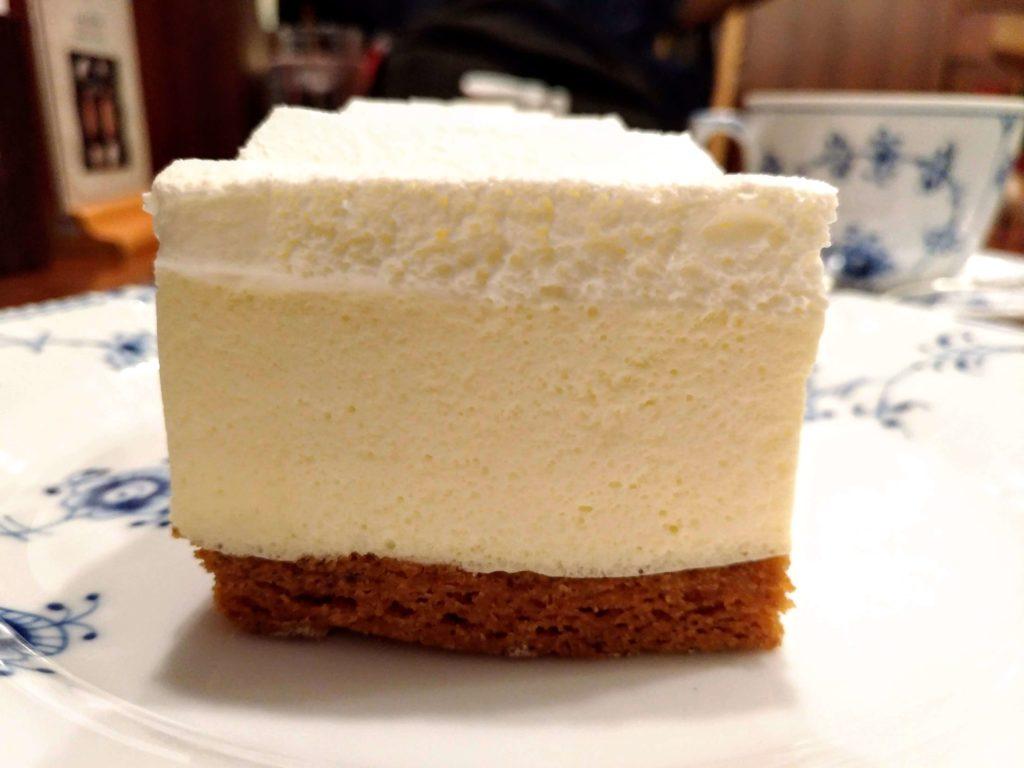 椿屋カフェ プラチナレアチーズケーキ (6)