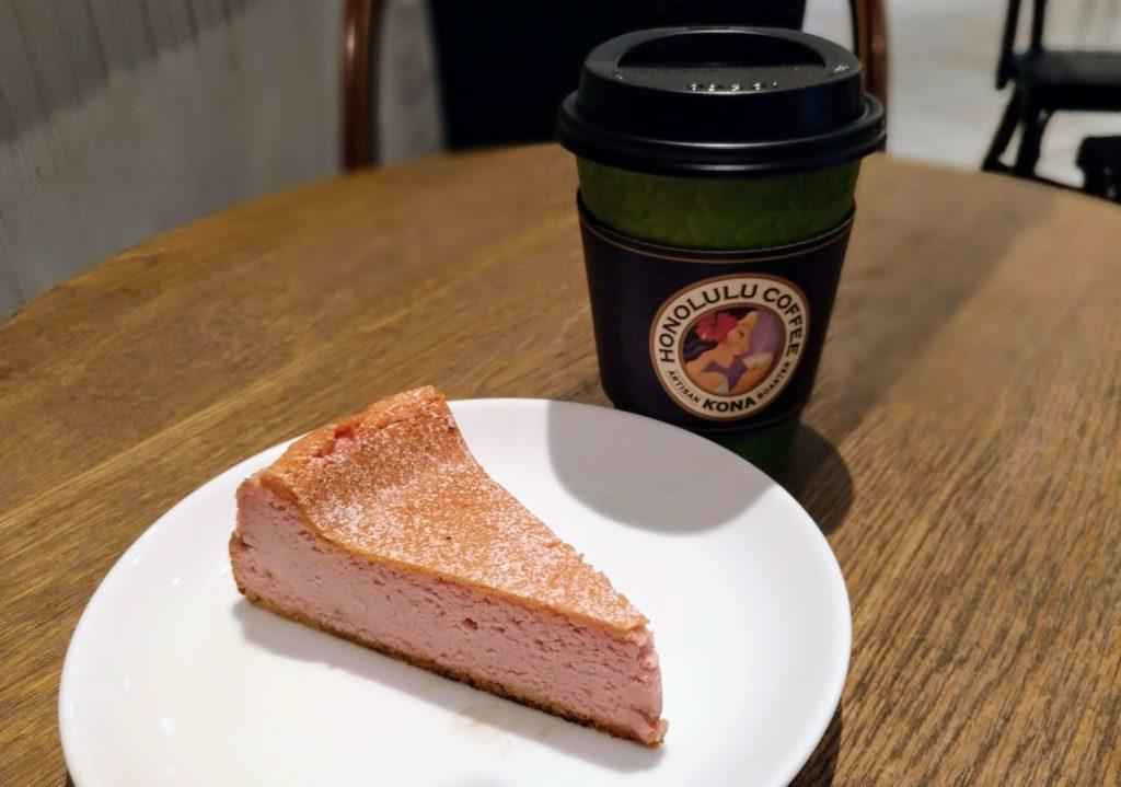 ホノルルコーヒー イチゴのクラシックチーズケーキ (2)