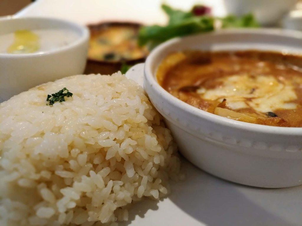 ラ・メゾン チーズ焼きストロガノフチキン (1)