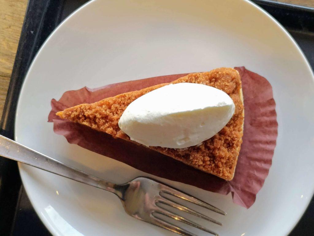 スターバックス ナッツ&キャラメルチーズケーキ (17)