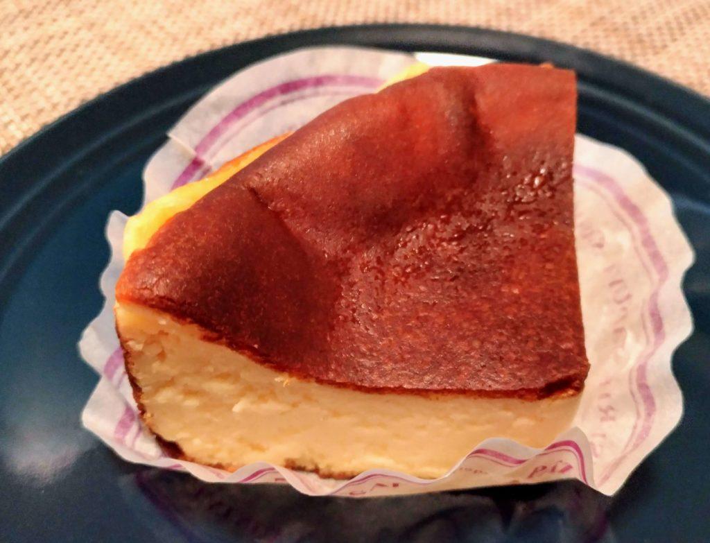 パティスリー タツヤササキ (2) バスクチーズケーキ