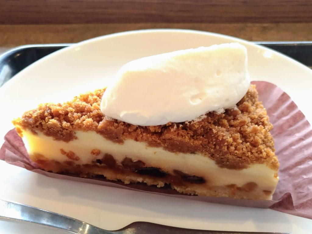 スターバックス ナッツ&キャラメルチーズケーキ (18)