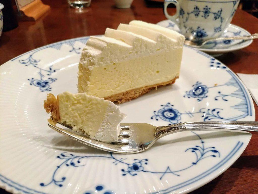椿屋カフェ プラチナレアチーズケーキ (8)