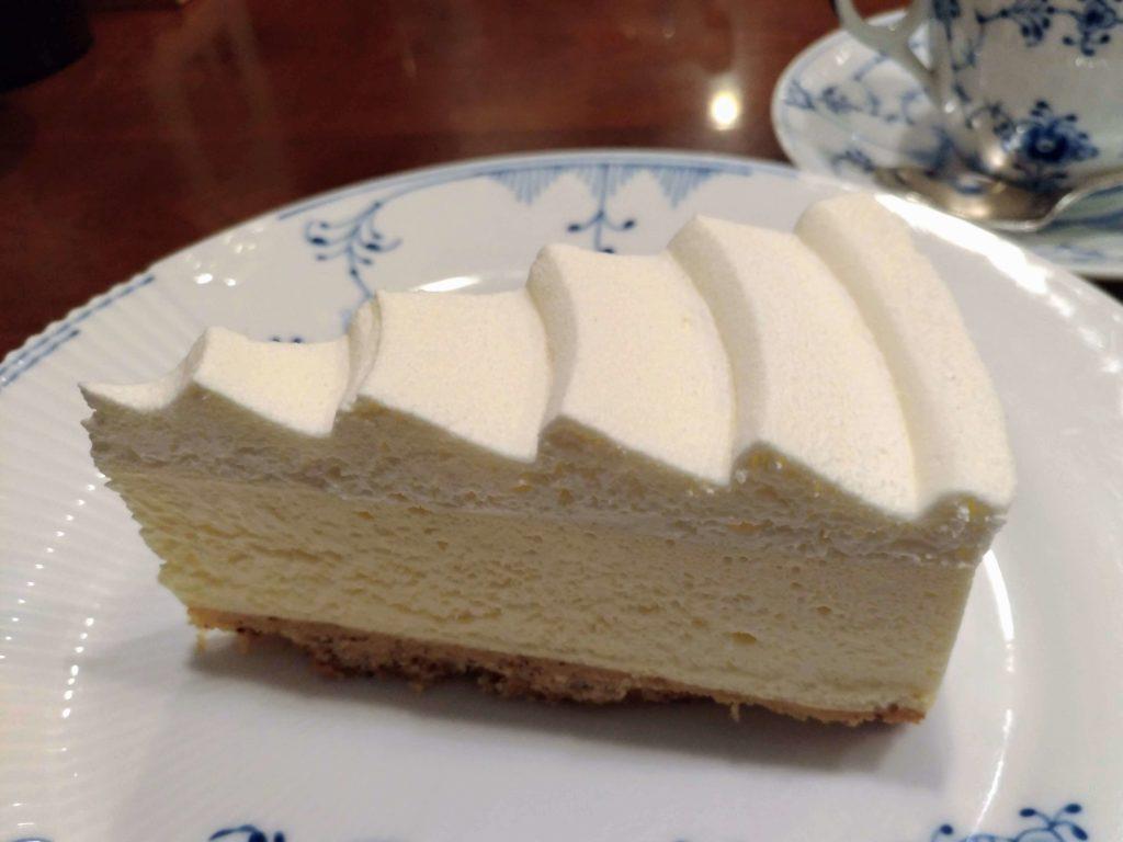 椿屋カフェ プラチナレアチーズケーキ (3)