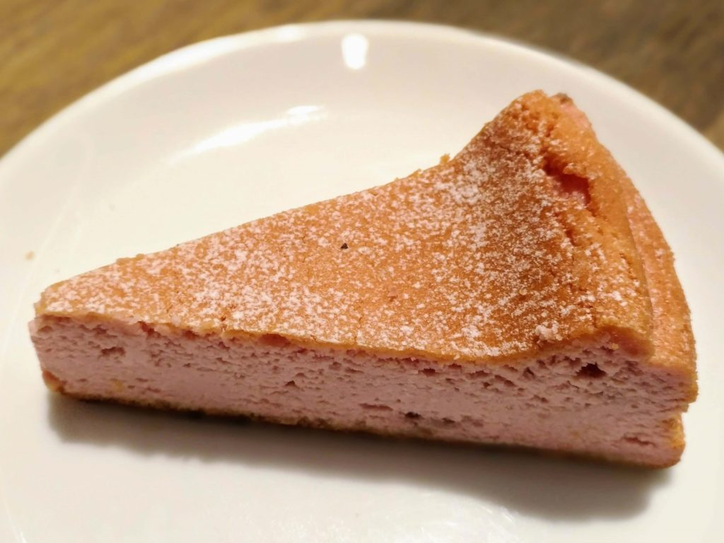 ホノルルコーヒー イチゴのクラシックチーズケーキ (6)