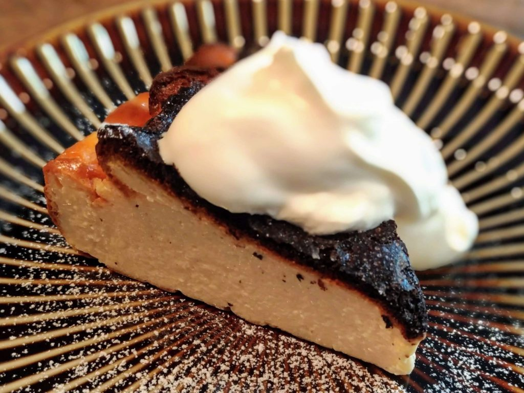 イイジカン (11)バスクチーズケーキ