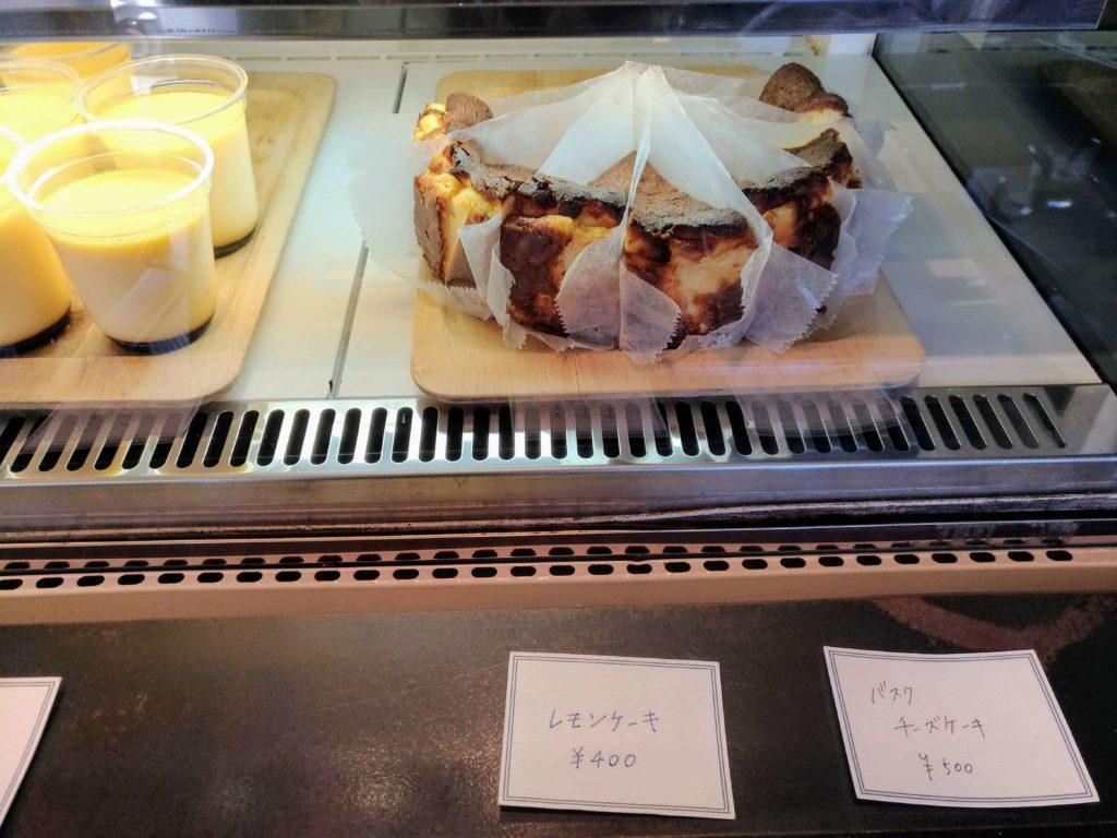 オクサワ・ファクトリー・コーヒー・アンド・ベイクス バスクチーズケーキ 2