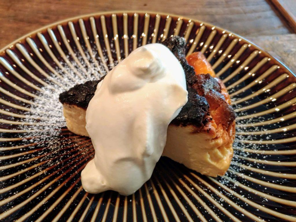 イイジカン (9)バスクチーズケーキ