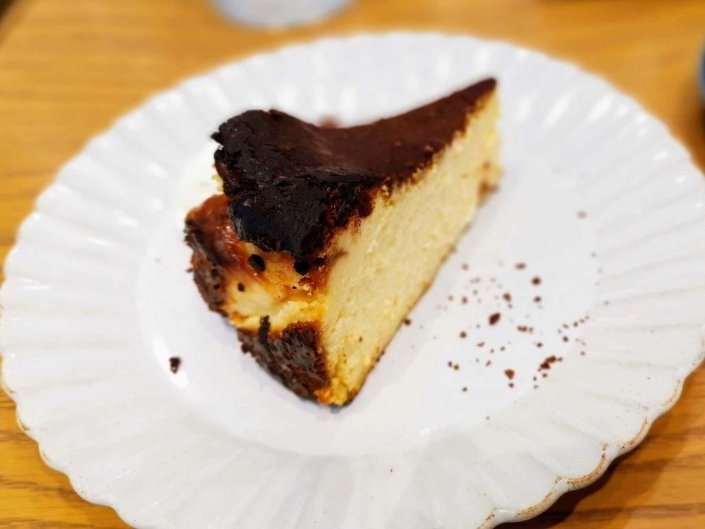 日比谷 キハチカフェ (20)バスクチーズケーキ