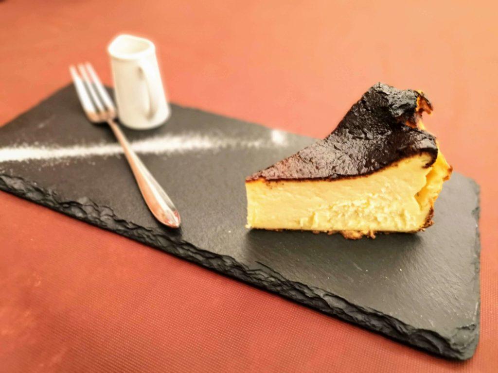 広尾 笄軒 (8)バスクチーズケーキ