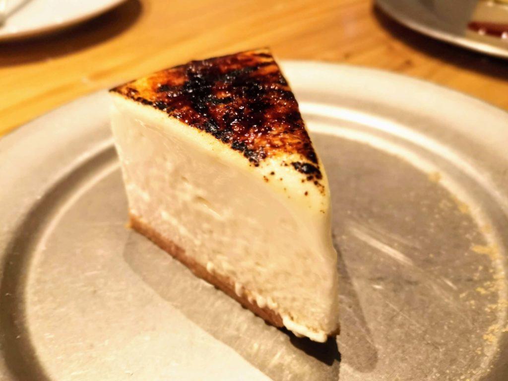 渋谷 CHEESE&MEAT BANK 炙りレアチーズケーキ (3)