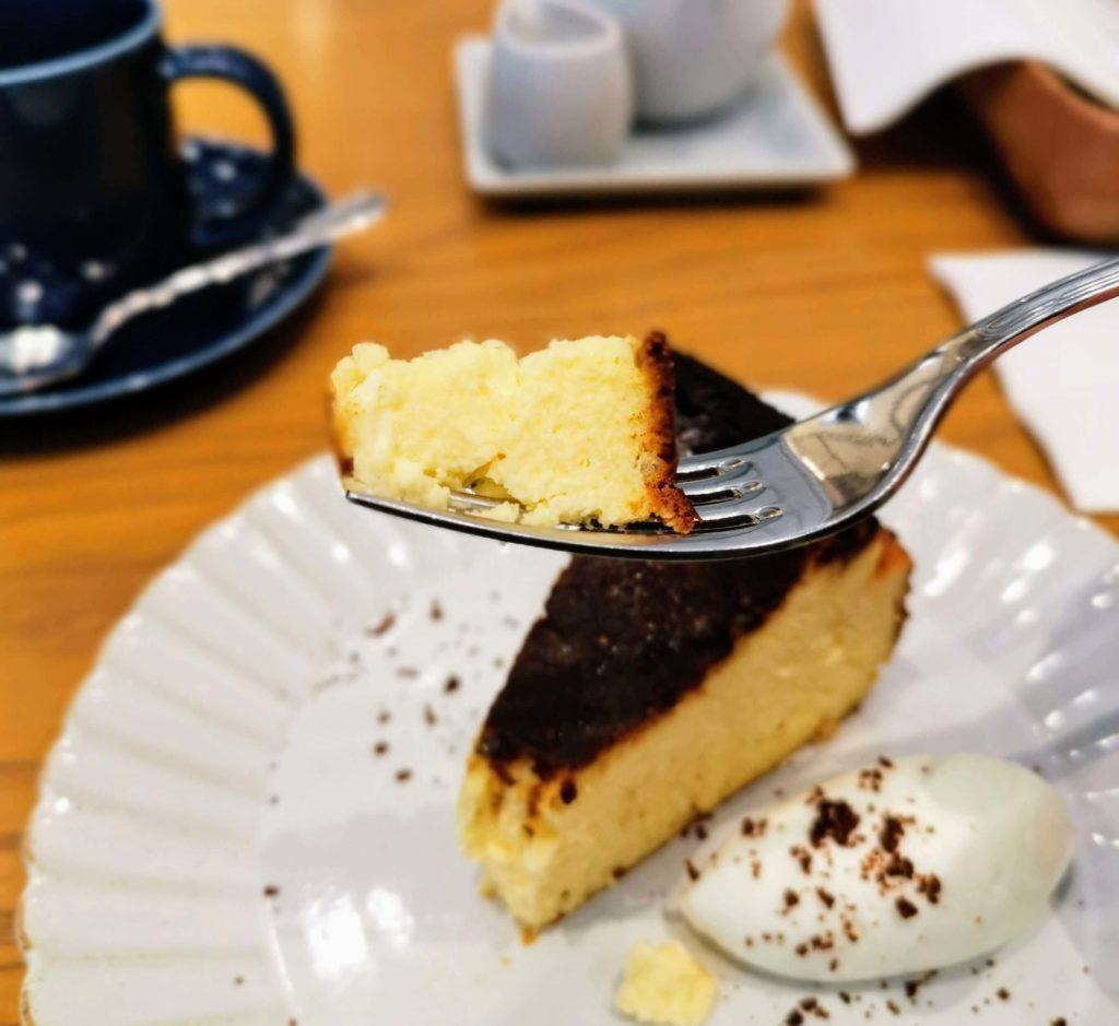 日比谷 キハチカフェ (18)バスクチーズケーキ
