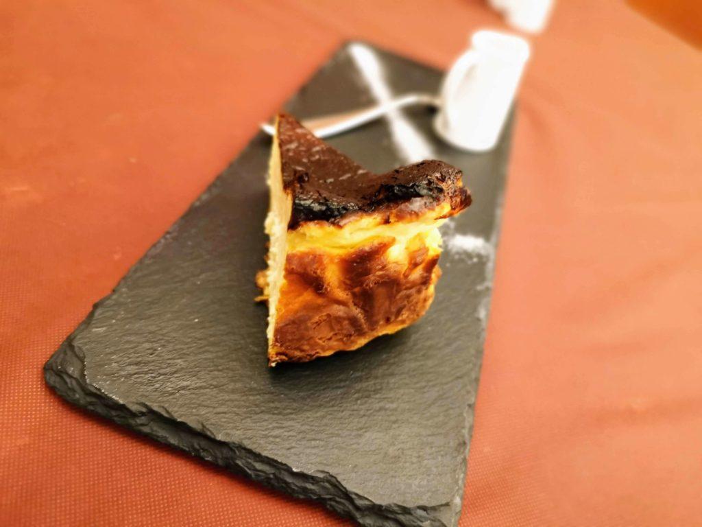 広尾 笄軒 (2)バスクチーズケーキ