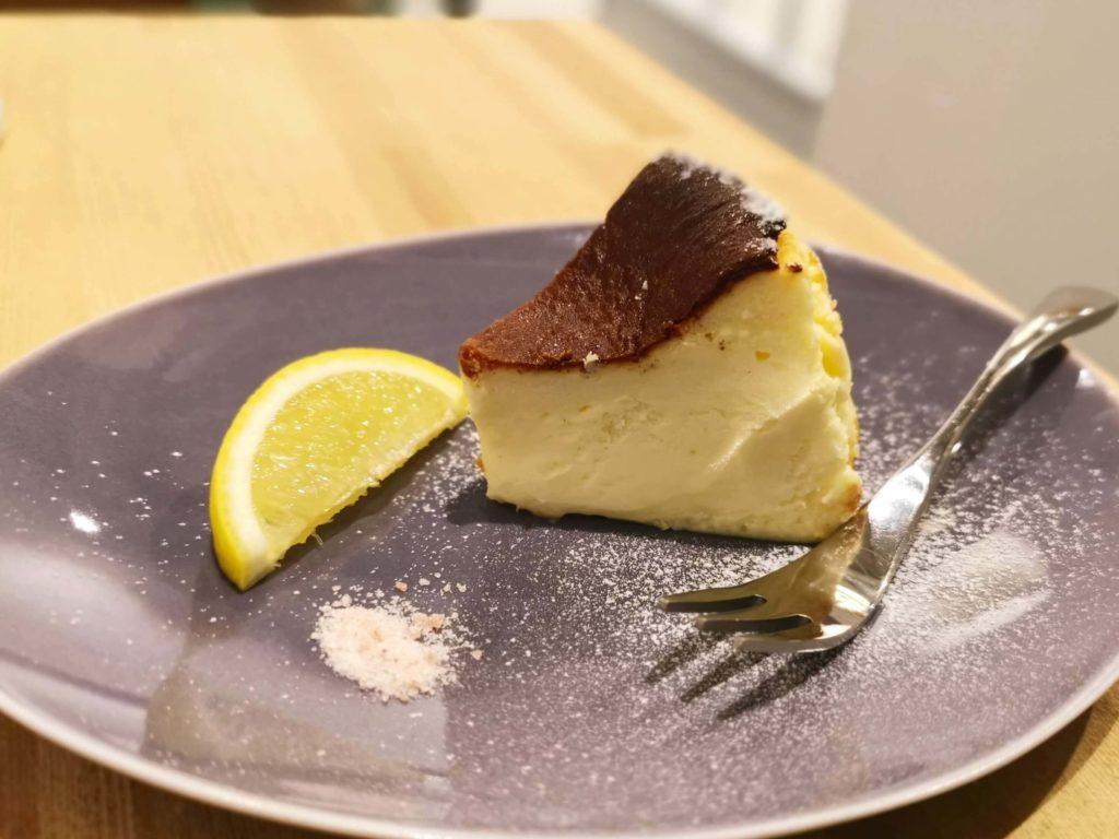 FUDGE gallery&cafe (8)バスクチーズケーキ