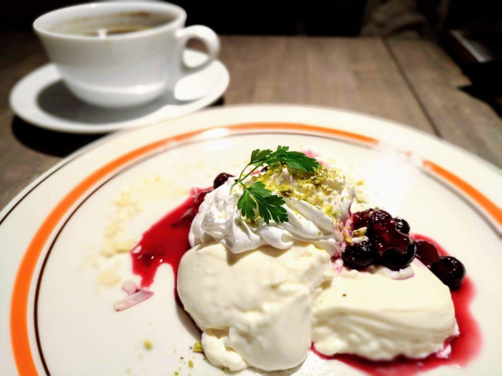 atari CAFE&DINING お豆富仕立てのレアチーズケーキ (4)